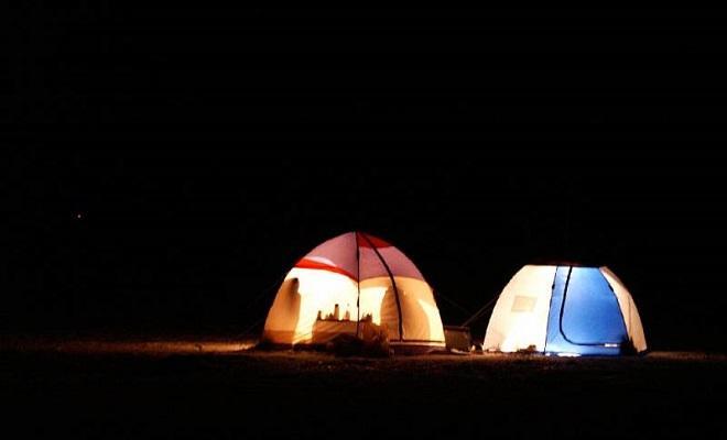 Зимняя палатка ночью