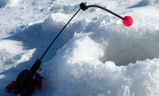 Зимняя рыбалка с кивком