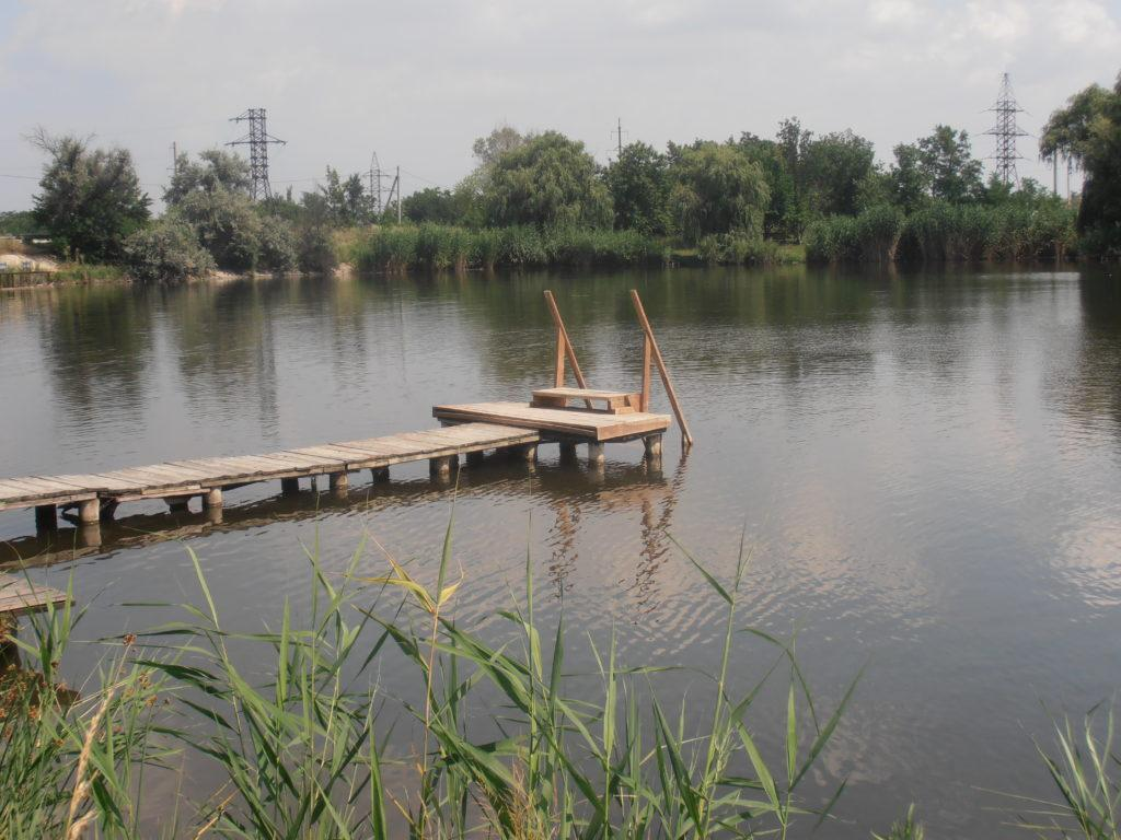 Место для рыбалки на озере
